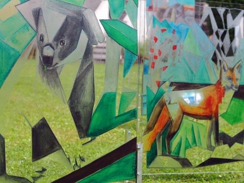 Koala, Fuchs auf Plexiglas